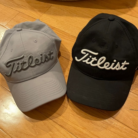 Titleist golf hats (2)